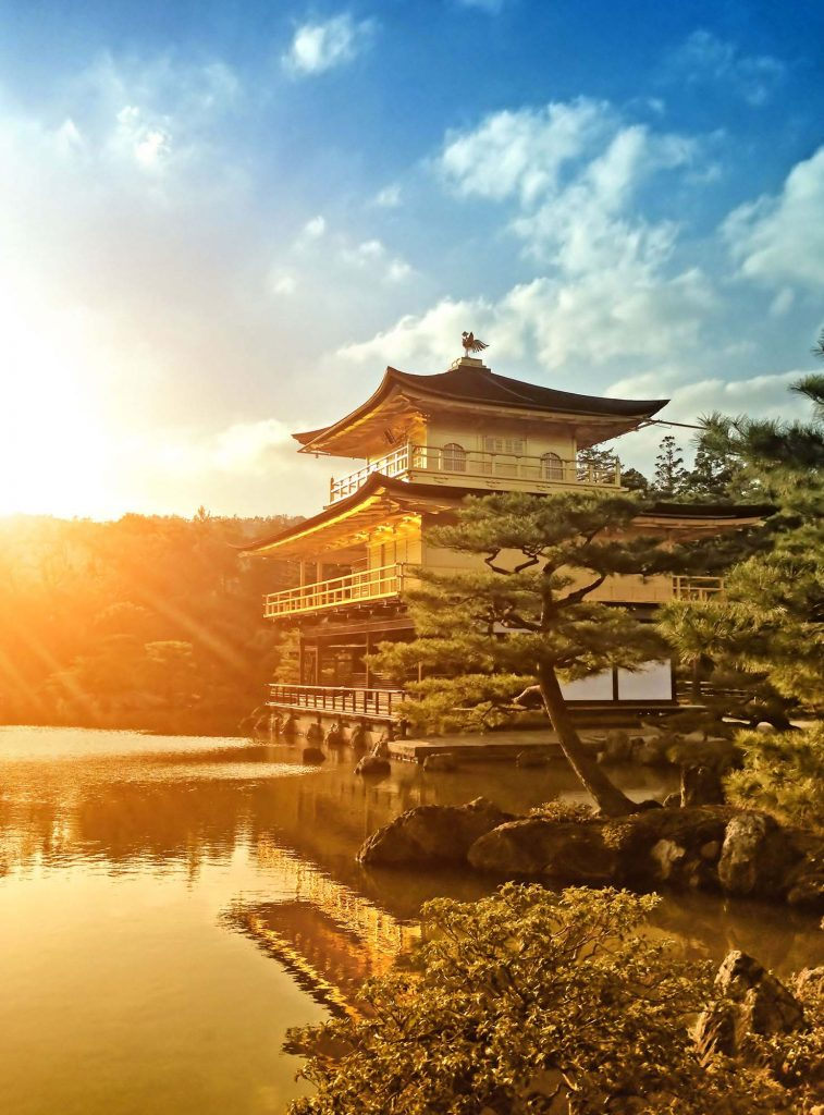 <p class=blog-cap>JAPAN | Special Interest Program | This special interest art tour features visits of over 25 different art museums and historical sites throughout Japan.</p>